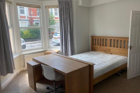 3 bedroom apartment to rent - Forsyth Road, Jesmond