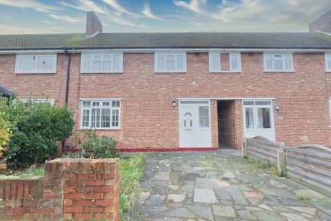 2 bedroom terraced house for sale - Lynton Avenue, Romford, Rm7
