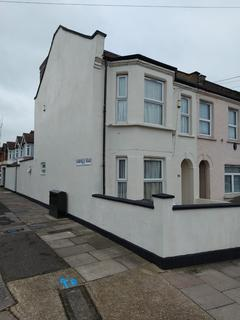 7 bedroom end of terrace house to rent - Uphall Road, Ilford, Essex, IG1