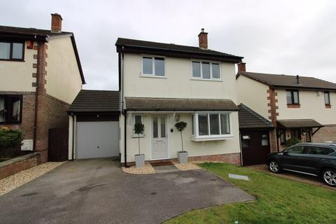 3 bedroom detached house - Carrine Road, Truro