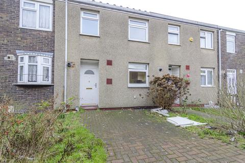 3 bedroom terraced house for sale - Lucerne Way, Harold Hill, Essex, RM3