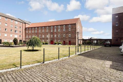 1 bedroom apartment for sale - Pease Court, City Centre, Hull, East Yorkshire, HU1 1NG
