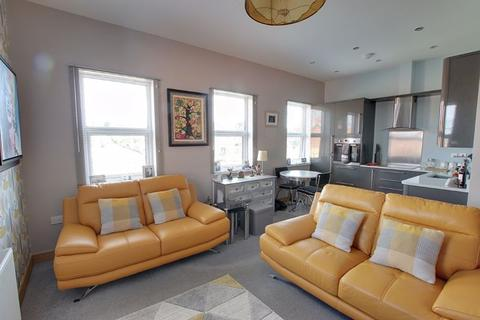 2 bedroom apartment to rent - Station Road, Westbury