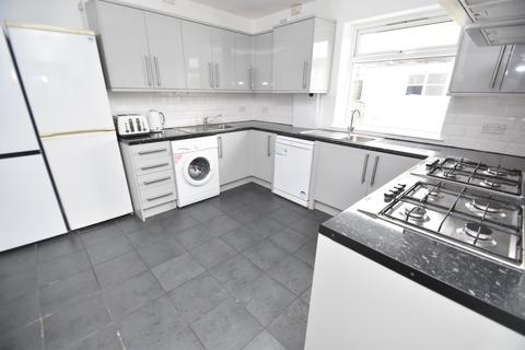 8 bedroom house to rent - Harriet Street, CATHAYS, CARDIFF