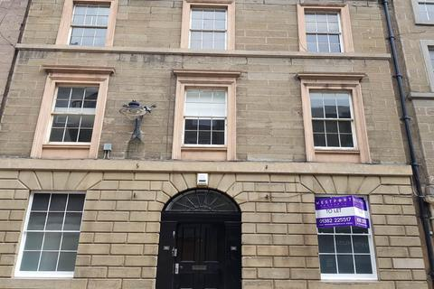2 bedroom flat to rent - 26 Castle Street, ,