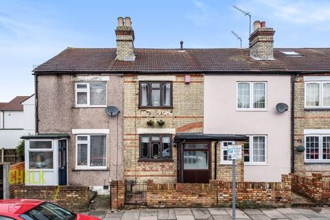 2 bedroom terraced house for sale - Claremont Road, Hornchurch, RM11