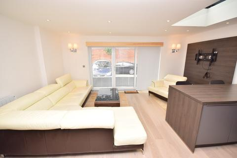 2 bedroom apartment to rent - St Andrews Road North, Lytham St Annes, FY8