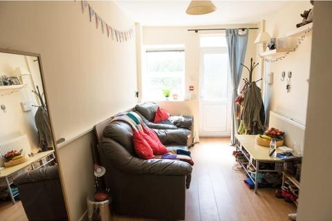 1 bedroom property to rent - GF 381 Crookesmoor Road, Crookesmoor