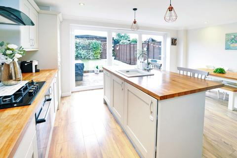 3 bedroom terraced house for sale - Linnet Drive, Tile Kiln, Chelmsford, CM2