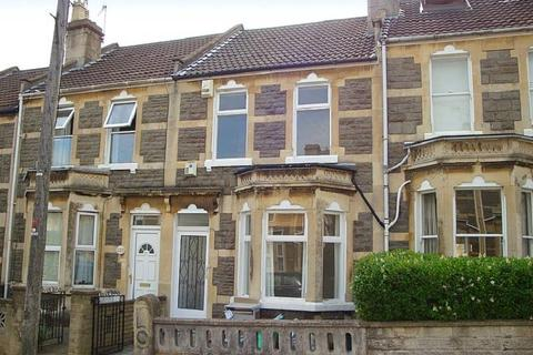 4 bedroom private hall to rent - Coronation Avenue