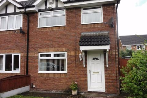 3 bedroom semi-detached house to rent - Finstock Close, Eccles