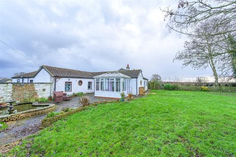 4 bedroom bungalow for sale - Ivy Lane, Coningsby, Lincoln