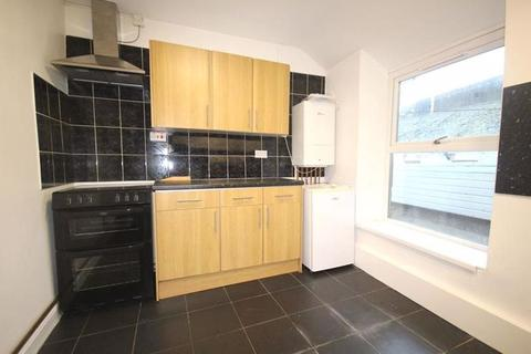 2 bedroom maisonette - Spacious Two Bedroom Flat, £675pcm