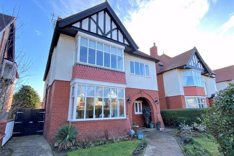 5 bedroom detached house for sale - Balmoral Road, St Annes On Sea