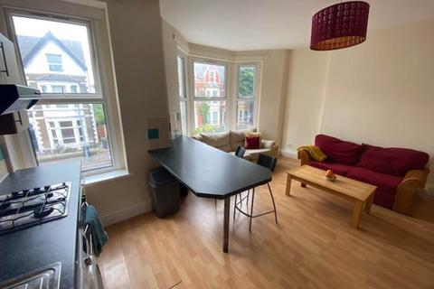 2 bedroom flat to rent - Connaught Road, Roath, Cardiff