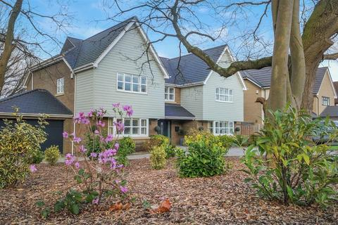 4 bedroom detached house for sale - Hillside Road, Eastwood, Leigh-On-Sea
