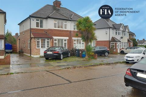 3 bedroom semi-detached house for sale - Sussex Avenue, Isleworth