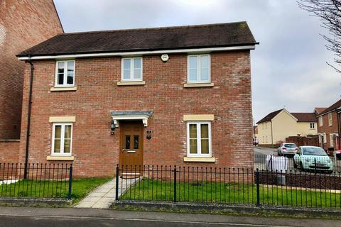 3 bedroom detached house - Redhouse Gardens, Swindon