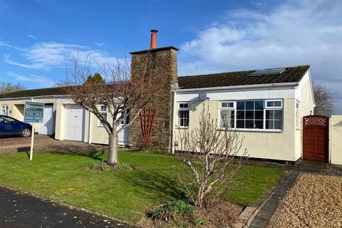 2 bedroom detached bungalow for sale - Holmeleaze, Steeple Ashton, Trowbridge