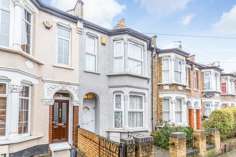 3 bedroom flat to rent - Fulbourne Road, Walthamstow, E17