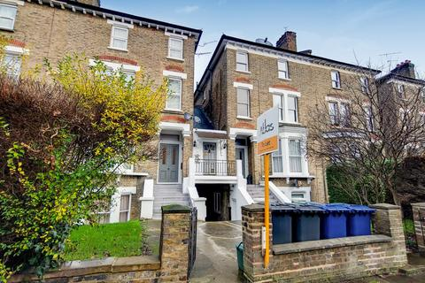 Studio to rent - The Grove, Ealing, London, W5