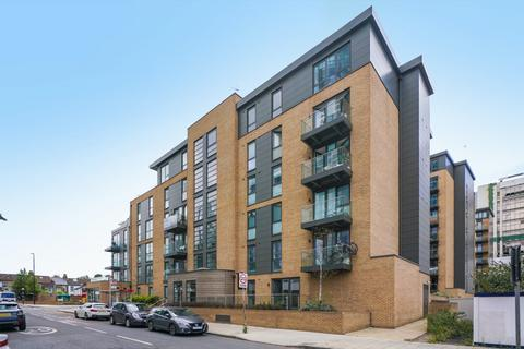 2 bedroom flat for sale - Vale Court, Baltic Avenue TW8