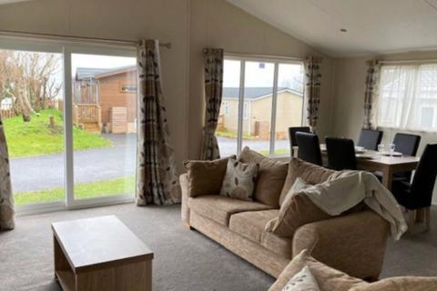 3 bedroom lodge for sale - Azure Seas Holiday Village, Suffolk