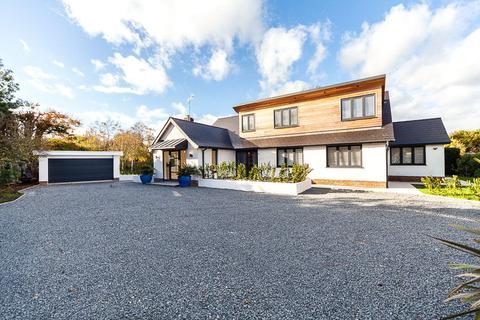 5 bedroom detached house for sale - Myrtle Grove, East Preston, Littlehampton, BN16