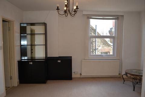 2 bedroom flat - Madeley Road, Ealing, London, W5