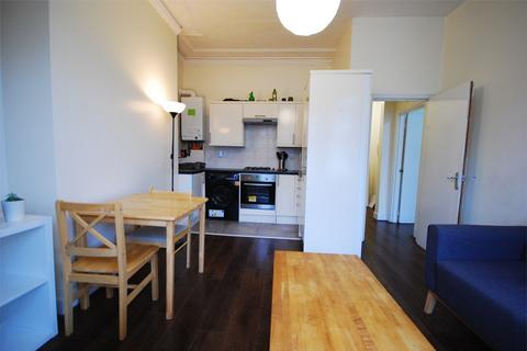 2 bedroom detached house - Montrell Road, Streatham Hill, London