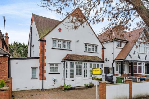 3 bedroom detached house - Beechcroft Gardens, WEMBLEY PARK