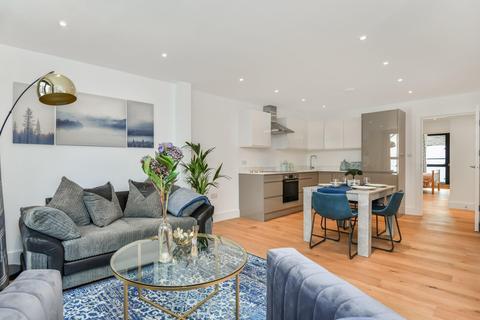 2 bedroom flat for sale - Umberston Street, London E1