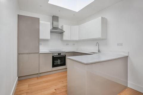 3 bedroom flat - Umberston Street, Umberston Street, London E1
