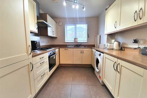 3 bedroom terraced house to rent - Sewardstone Road, London