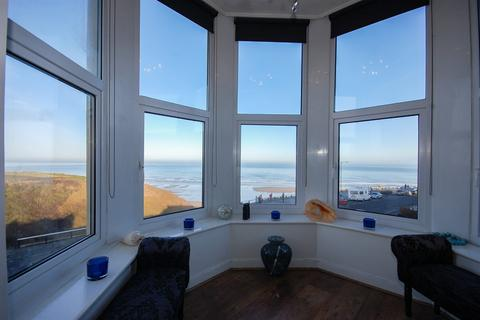 2 bedroom apartment for sale - Marine Parade, Flat 4, Hazel Towers, Saltburn-by-the-sea, TS12