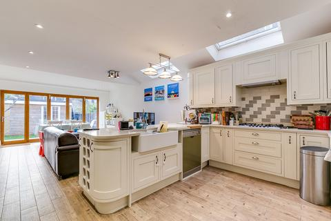 5 bedroom terraced house for sale - Bassingham Road, SW18