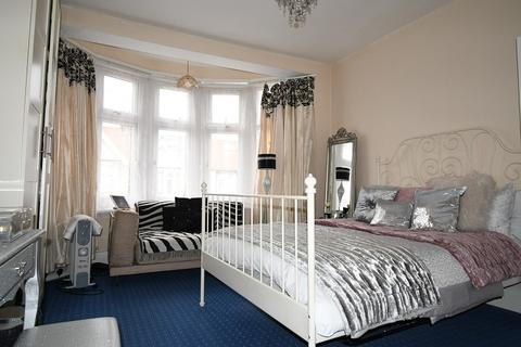 2 bedroom flat to rent - Nottingham Road , London, Greater London. E10