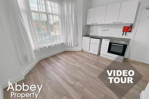 1 bedroom flat to rent - Tennyson Road | LU1 3RR | Town area