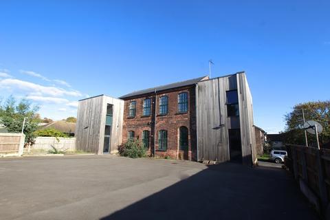1 bedroom ground floor flat to rent - Bullivant Street