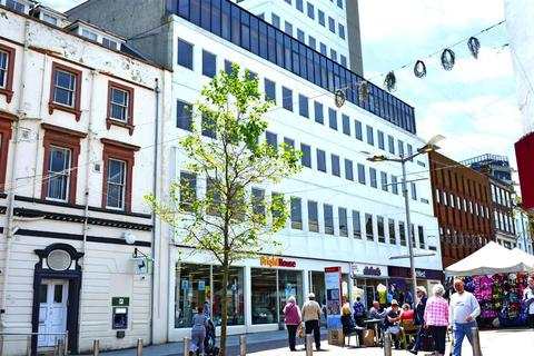 Retail property (high street) to rent - Sandgate Road, Folkestone