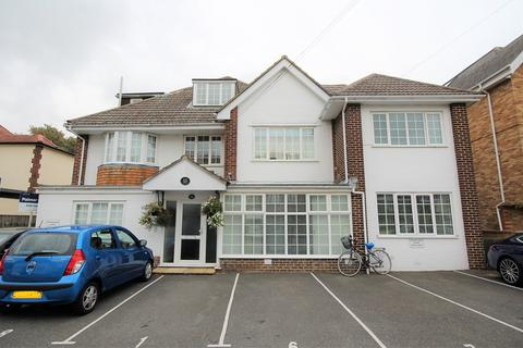 2 bedroom apartment to rent - Studland Road, Alum Chine, Bournemouth, BH4