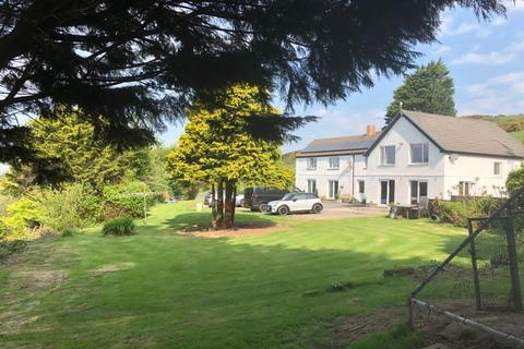 10 bedroom property with land for sale - Llangynog, Carmarthen