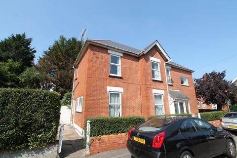 5 bedroom house to rent - Bonham Road, Winton,