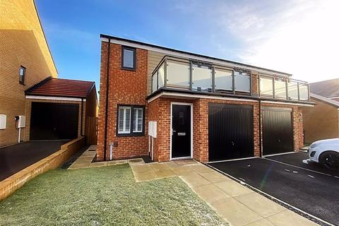 3 bedroom semi-detached house for sale - Edge Way, East Benton Rise, Wallsend, NE28