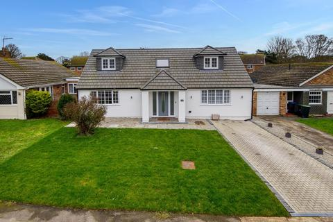3 bedroom detached house for sale - The Paddocks, Broadstairs