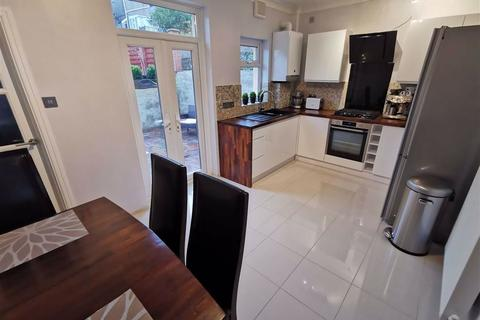 2 bedroom terraced house - Ormsby Terrace, Port Tennant