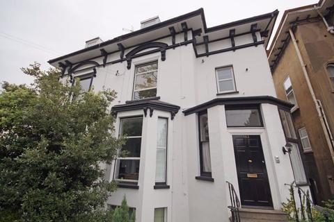 2 bedroom flat to rent - Central Cheltenham GL50 3ED
