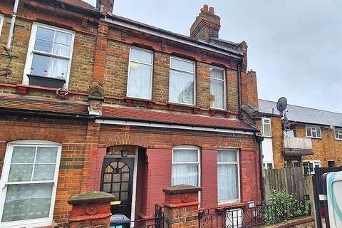 2 bedroom semi-detached house for sale - Bury Road, London