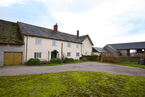 7 bedroom country house for sale - 2 houses and outbuilding, Eardisley