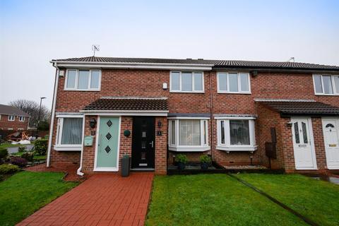 2 bedroom terraced house - Tarn Drive, Grangetown, Sunderland